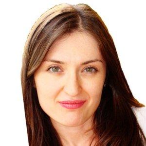 Fotografía de Lilia I.A., especialista en finanzas personales en Hola inversión