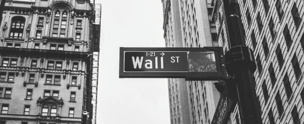Imagen de Wall Street, una calle donde se podrían encontrar una gran número de gestoras de gestión pasiva