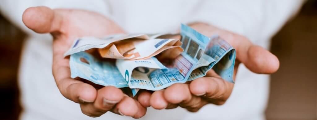 Una de las preguntas más comunes es saber cuánto cuesta un asesor financiero
